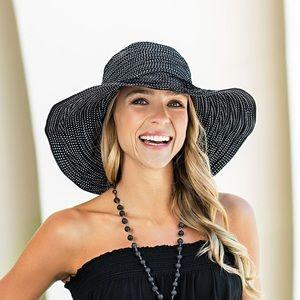 WALLAROO Scrunchie Hat